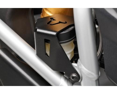 Защита расширительного бачка заднего тормоза
